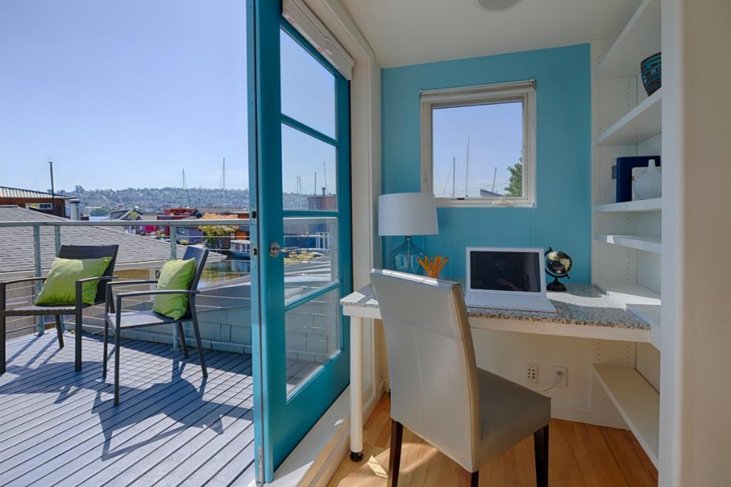 Houseboat Deck Desk