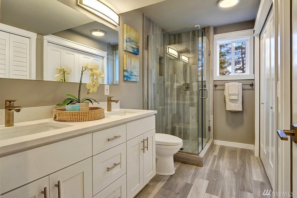 4726 Guest Bath